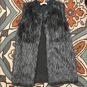 Cute size medium fur/sweater vest!